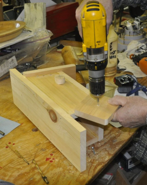 attaching floor and gripper knob