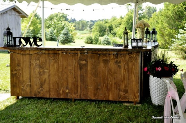 Woode live edge bar